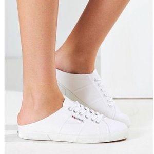 Nwt Women's Superga slip on sneaker sz 6